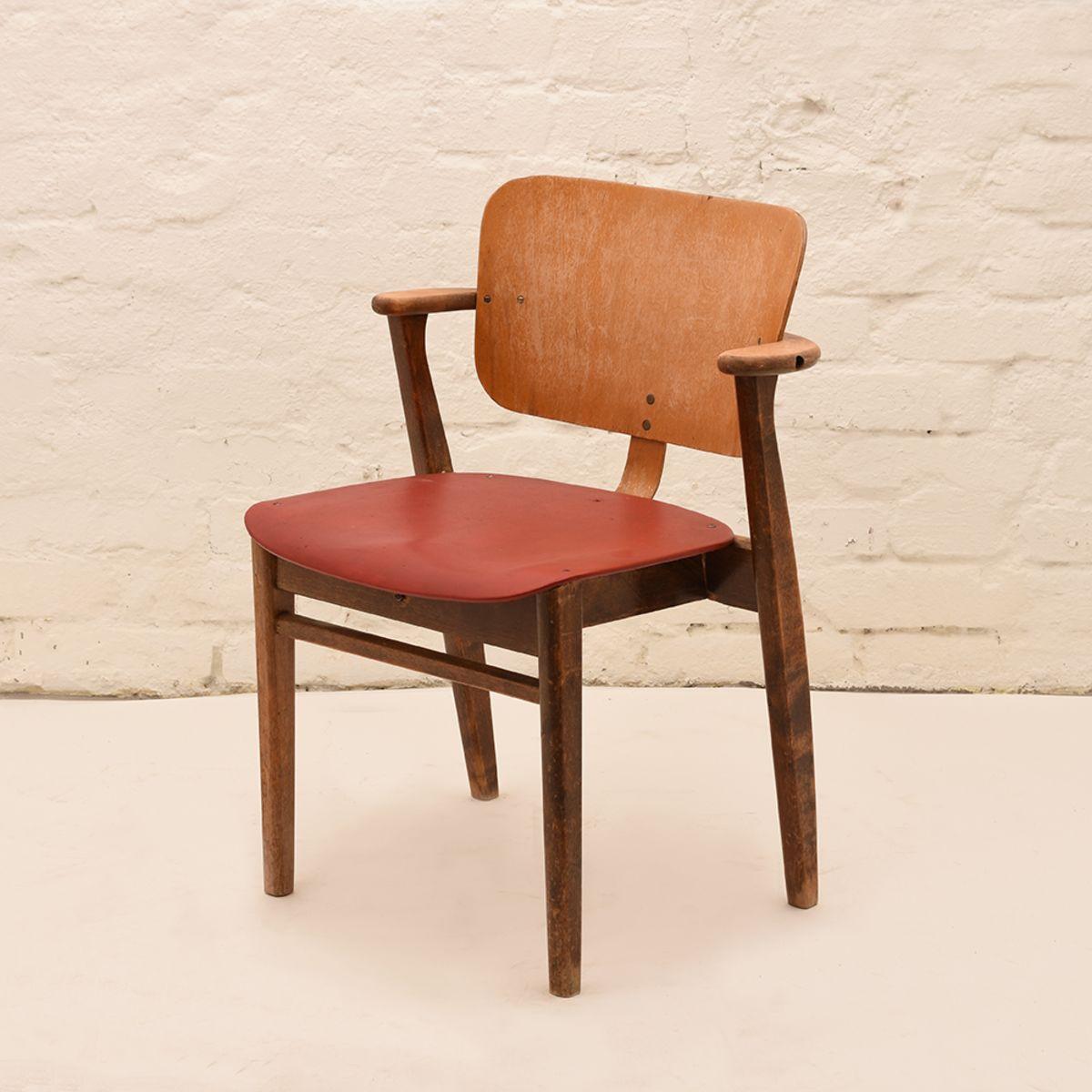 Ilmari-Tapiovara_Domus-Chair