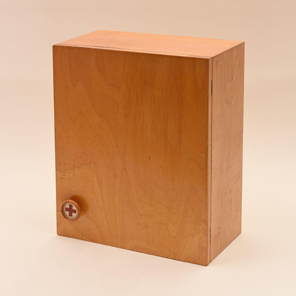 Aino-Aalto_Medicine-Cabinet-For-Artek
