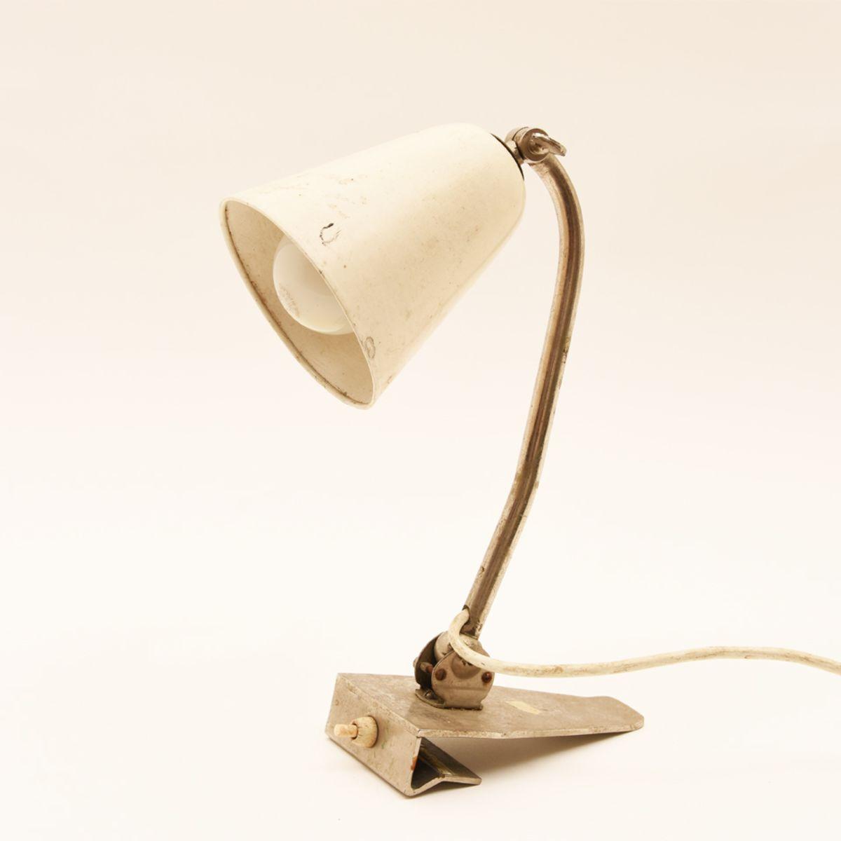 Alvar-Aalto_Bedside-Table-Lamp