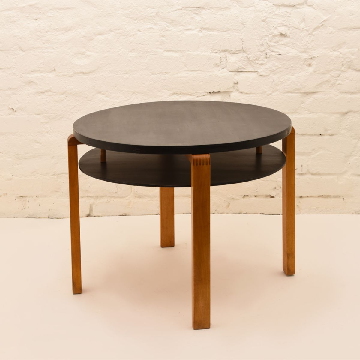 Alvar-Aalto_Club-Table-907
