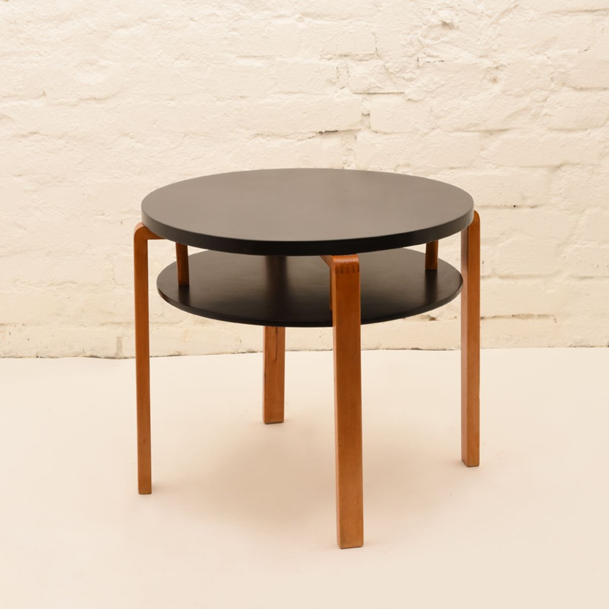 Alvar-Aalto_Club-Table-907B_Lacquared-Black-Birch