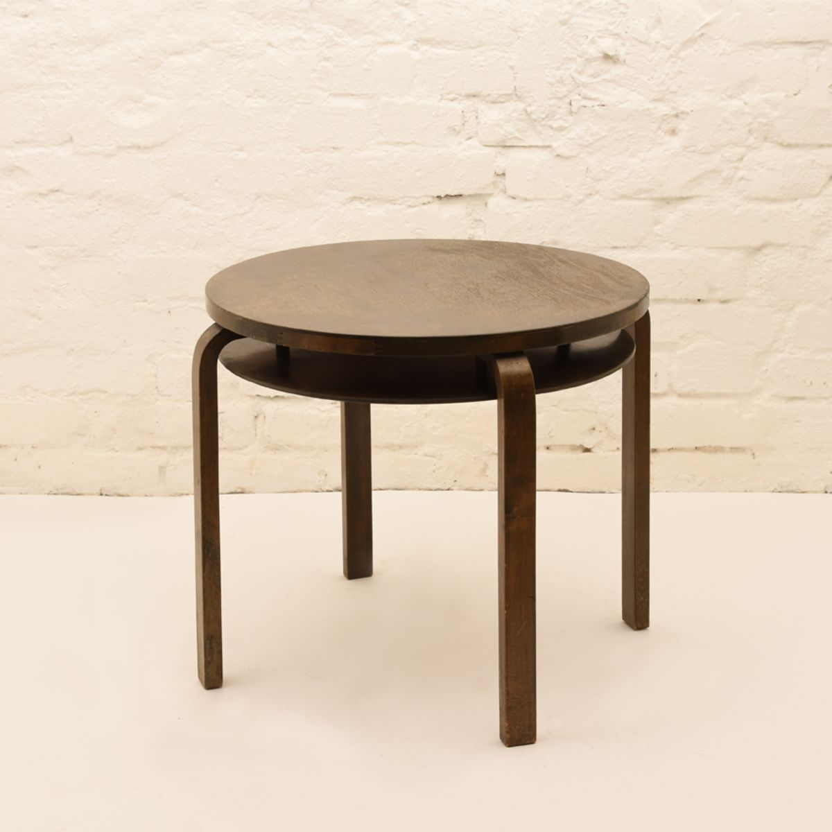 Alvar-Aalto_Club-Table-907B_Stained-Birch