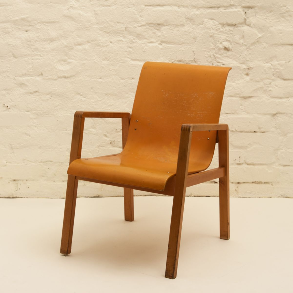 Alvar Aalto Hallway Chair Orange