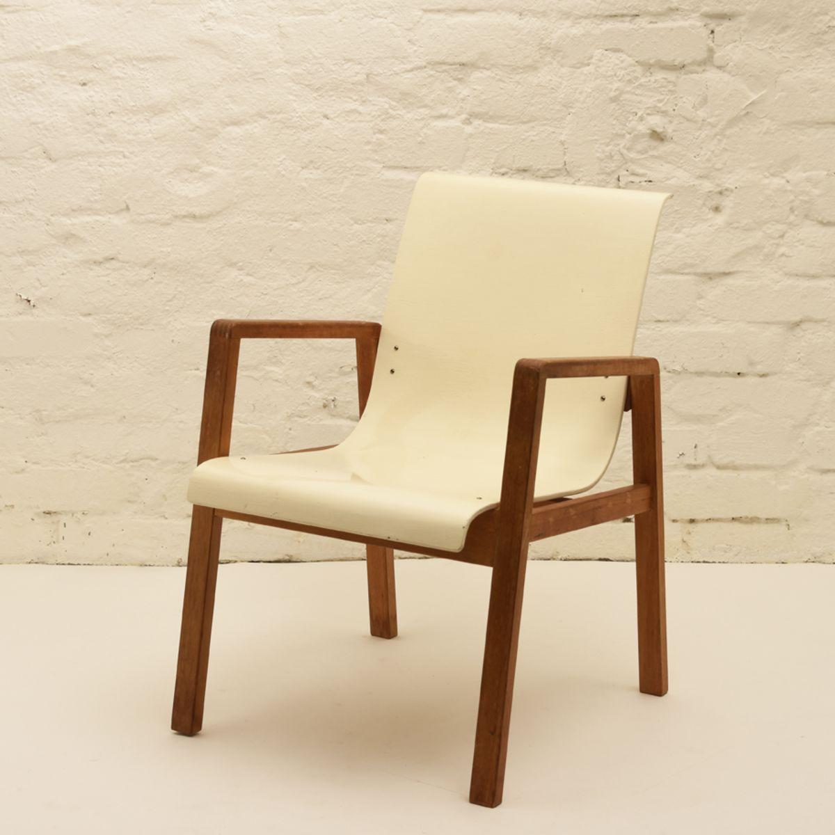 Alvar Aalto Hallway Chair White