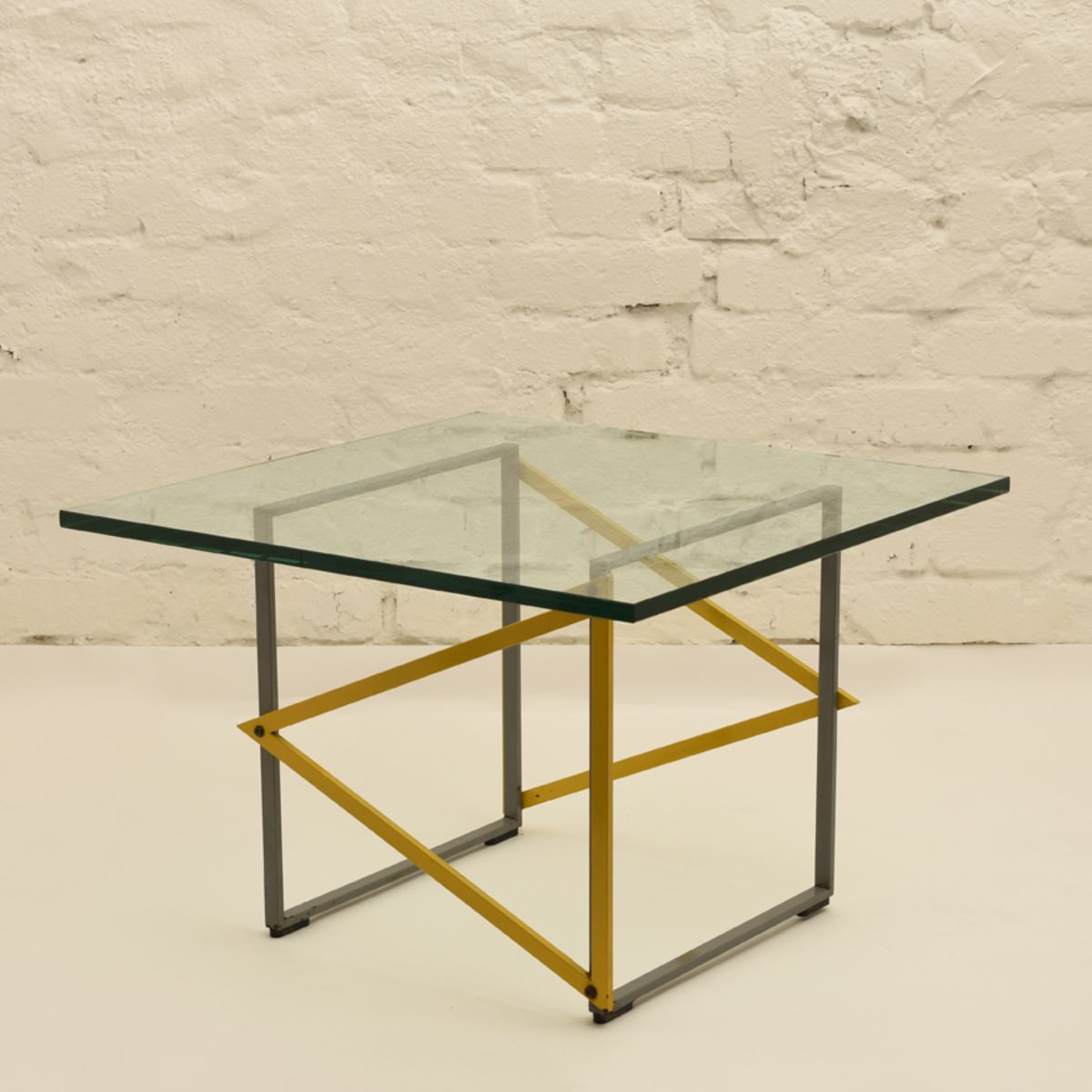 Kukkapuro Yrjö Square Glass Table