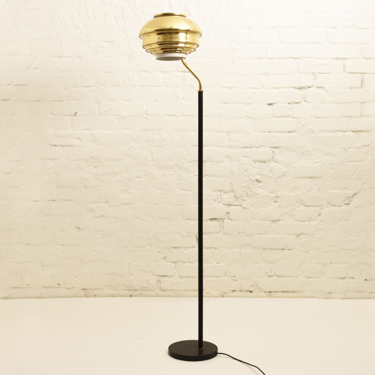 Aalto-Alvar_Floor-lamp-A808