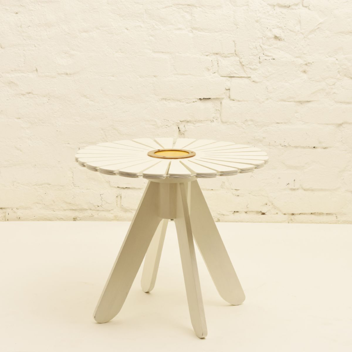 Aalto-Alvar_Sunflower-garden-table-small