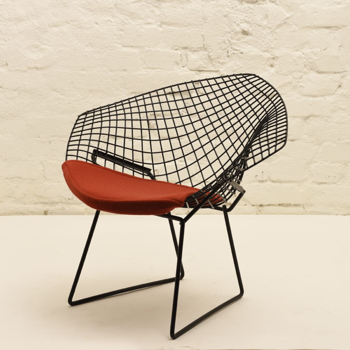 Bertoia-Harry_Diamond-Chair