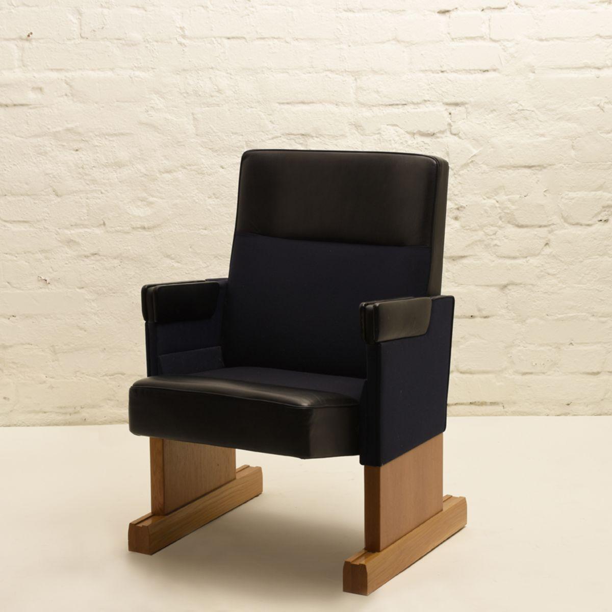 Alvar-Aalto_Auditorium-Chair