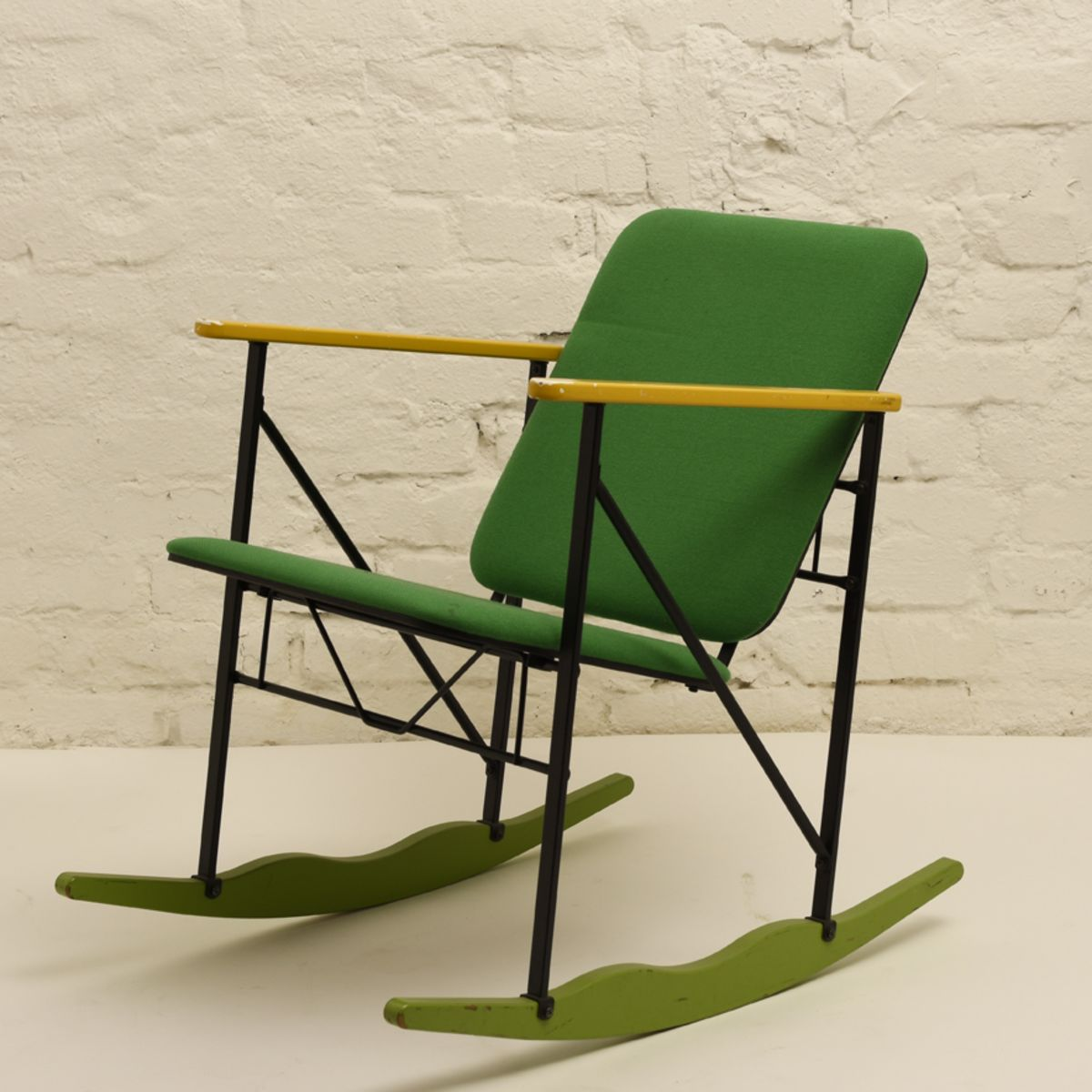 Kukkapuro-Yrjo_Experiment-Rocking-Chair