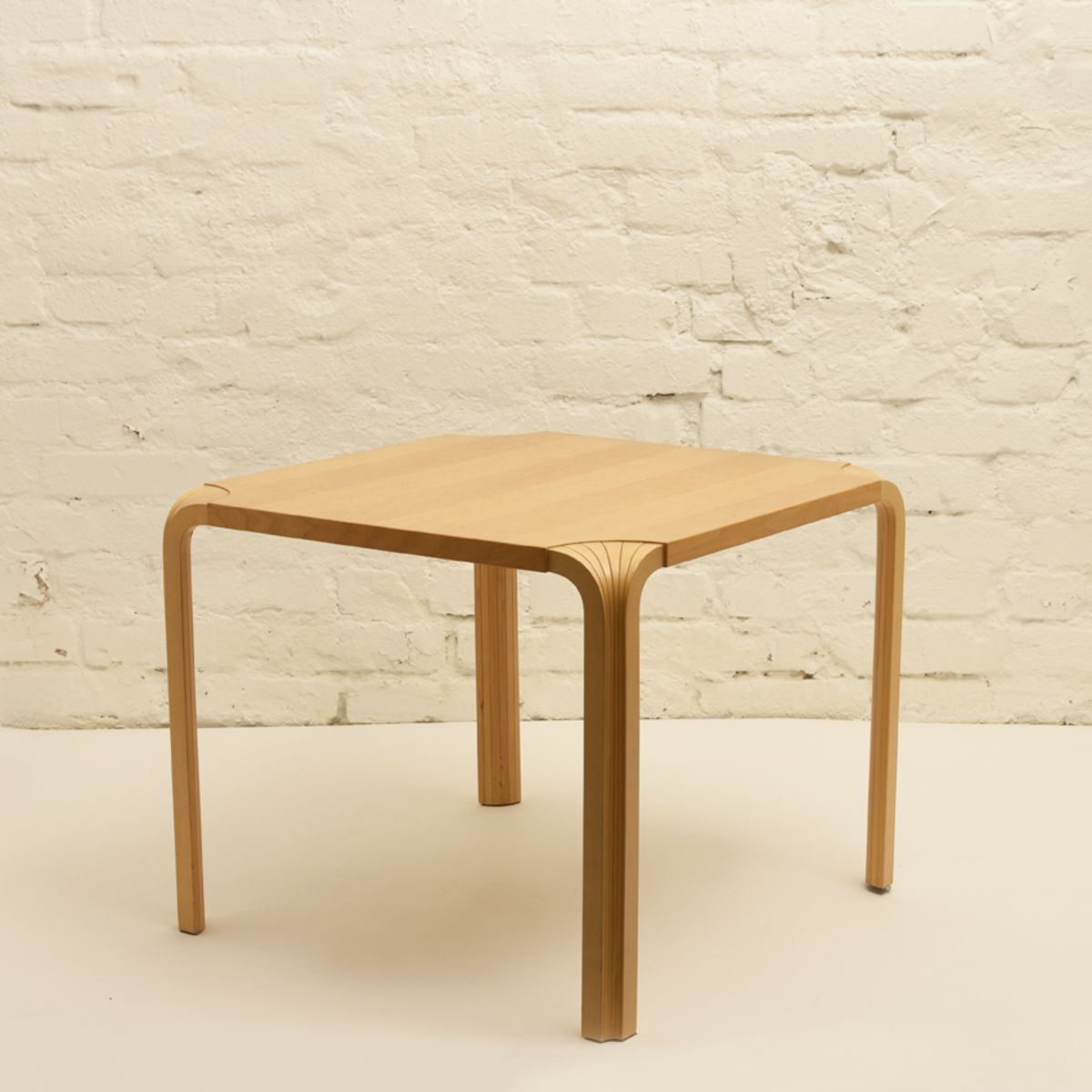 Aalto-Alvar_X-legged-Low-Table