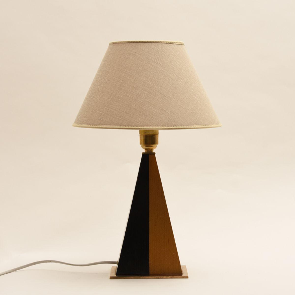 Lindeman-Maria_Idman-Table-lamp