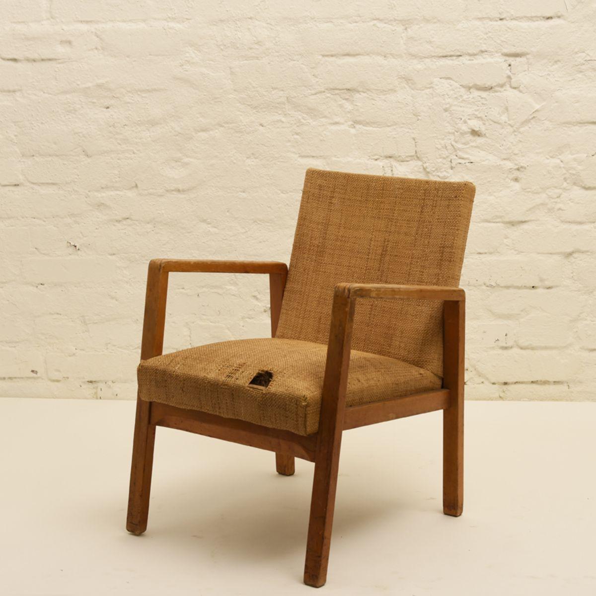 Aalto-Alvar_54-hallway-chair