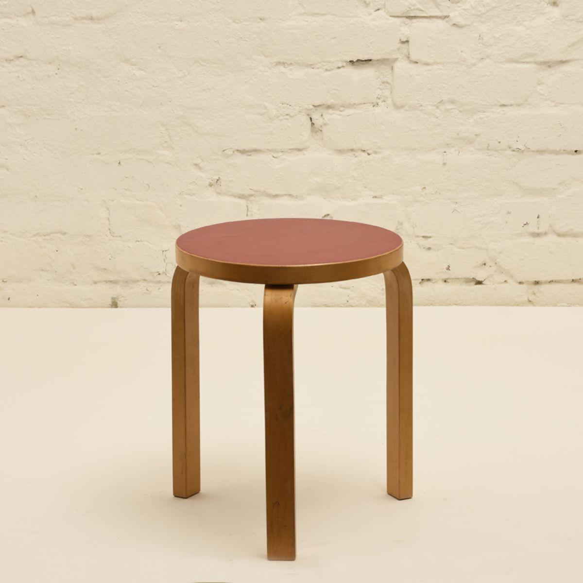 Aalto-Alvar_Stool-60-red-linoleum