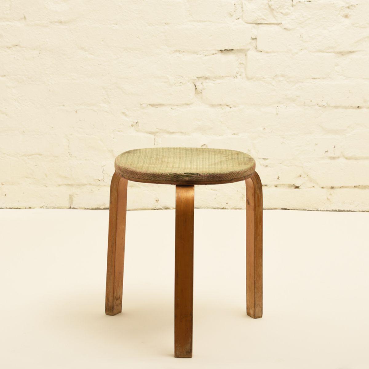 Aalto-Alvar_old-upholstered-stool-60-checkered