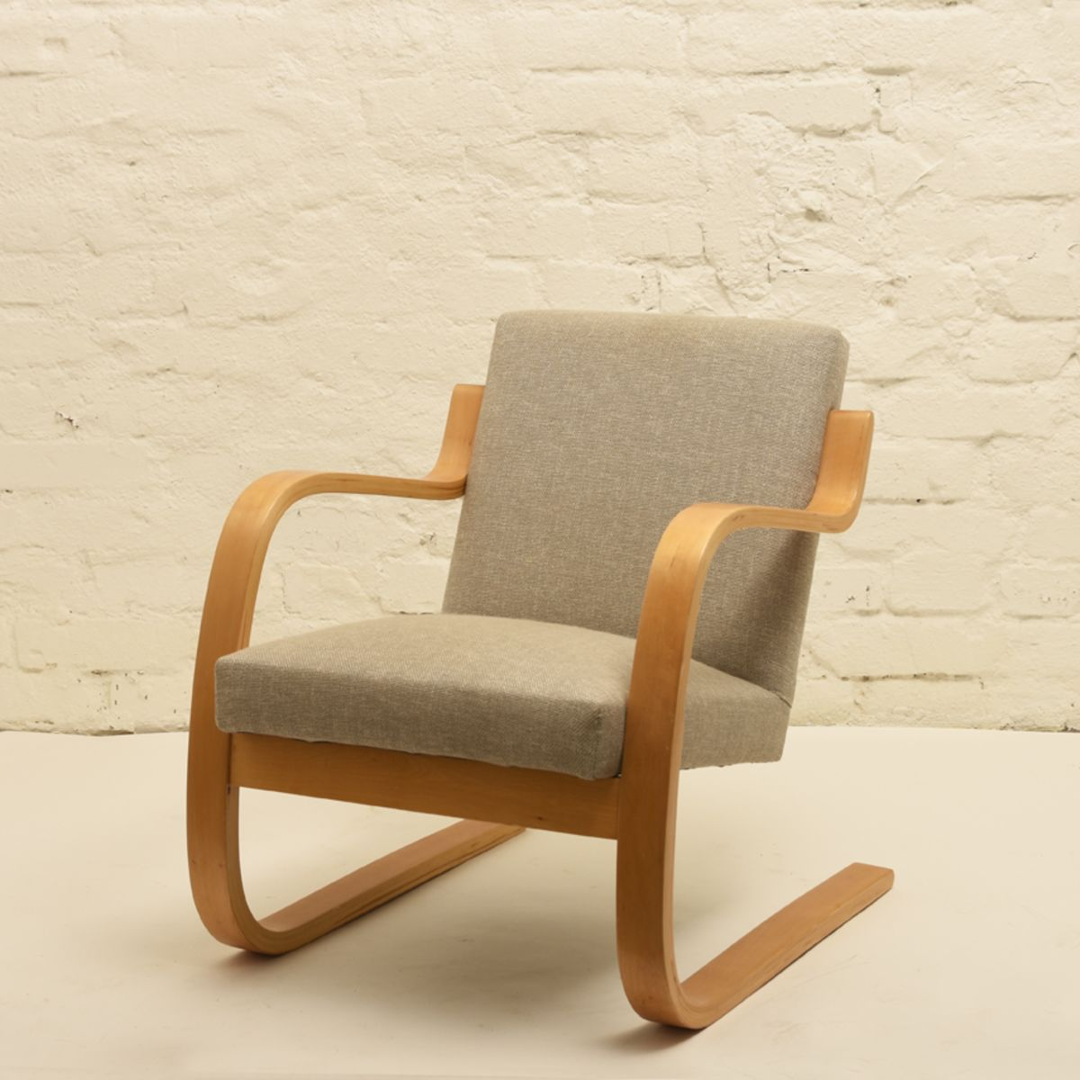 Aalto-Alvar_402-arm-chair