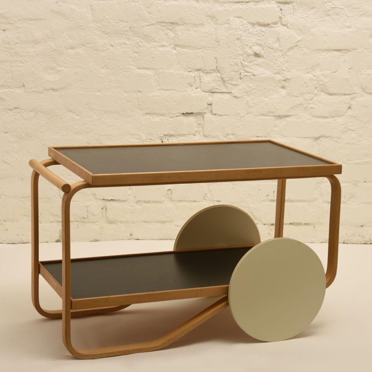 Aalto-Alvar_tea-trolley-black-linoleum