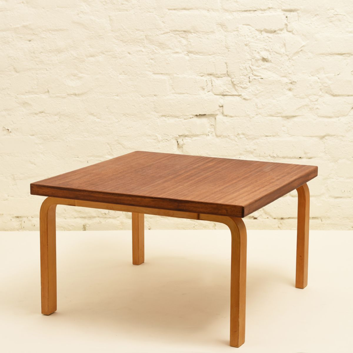 Aalto-Alvar_Side-Table-Mahogany-low