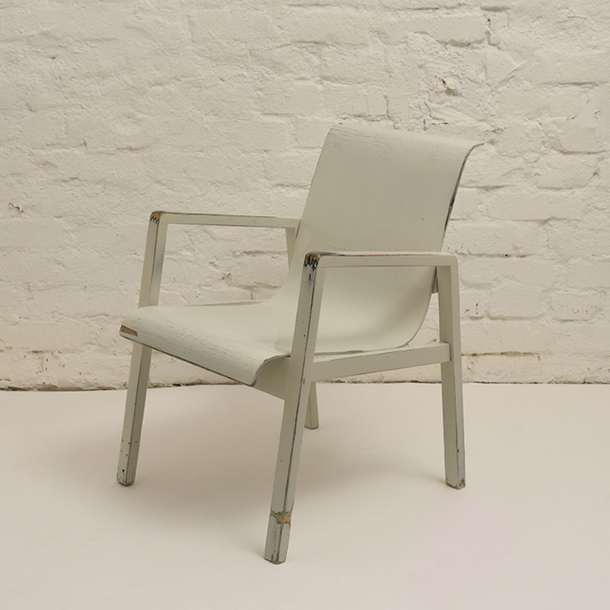 Aalto-Alvar-403Chair_white