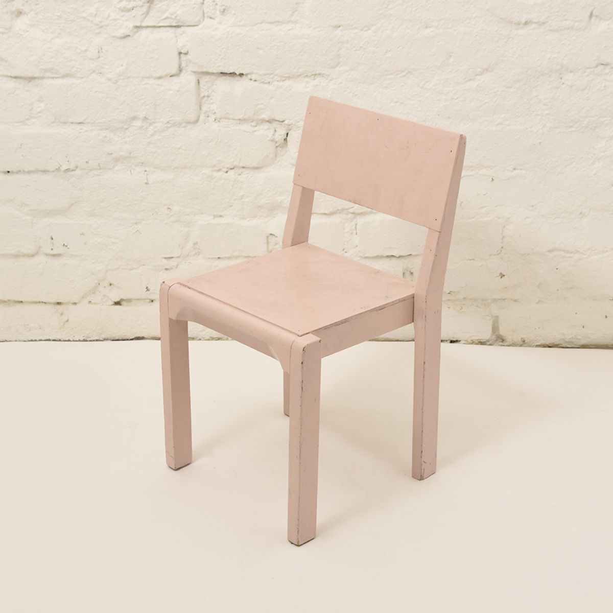 Kids-Chair-Wood-Pink