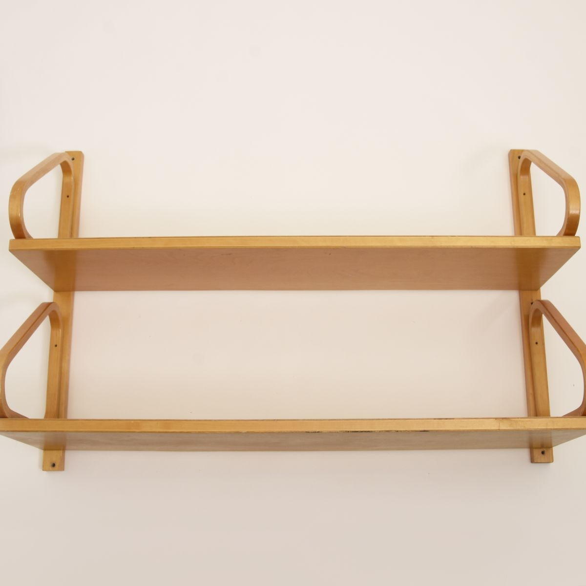 Aalto-Alvar-Wall-Shelf112-2_high_res