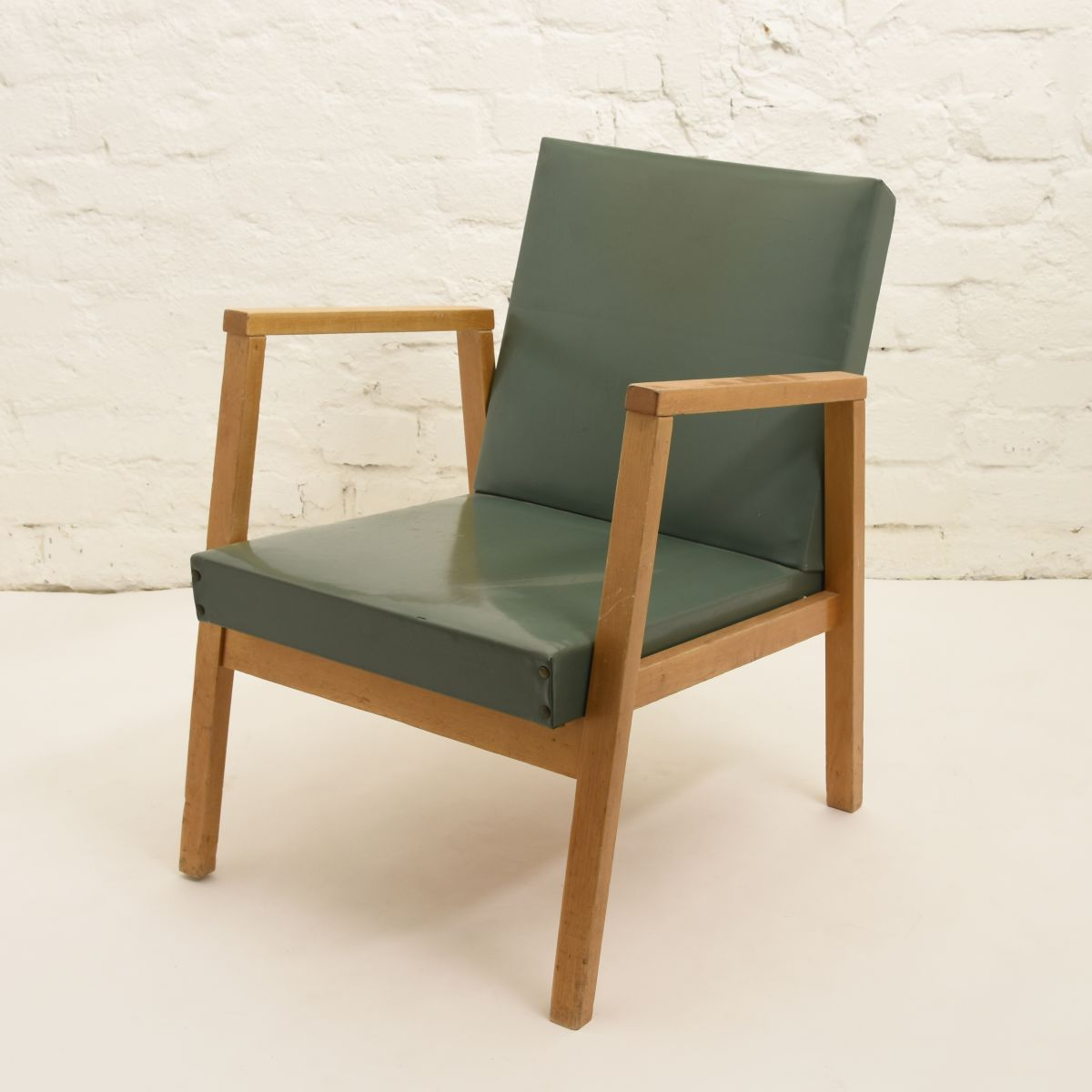 Aalto-Alvar-Armchair-green_high_res