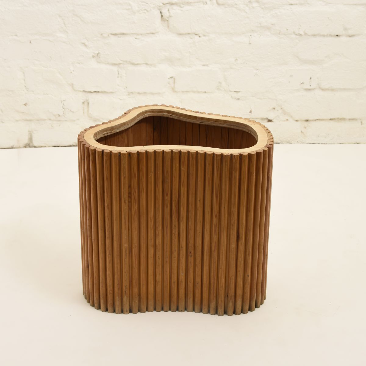 Aalto-Wooden_pot_high_res