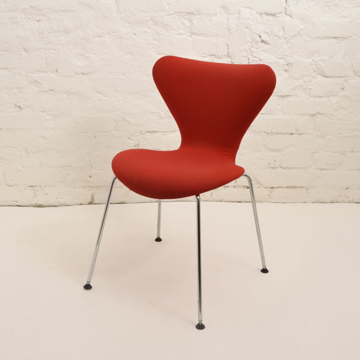 Jacobsen-Arne-Series7-Chair_high_res