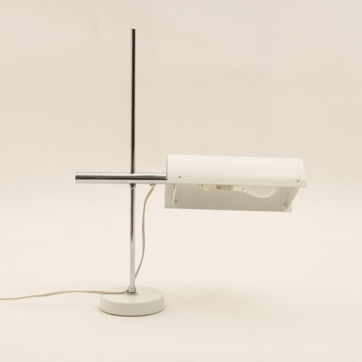 Schulten-Ben-BS721-Table-Lamp