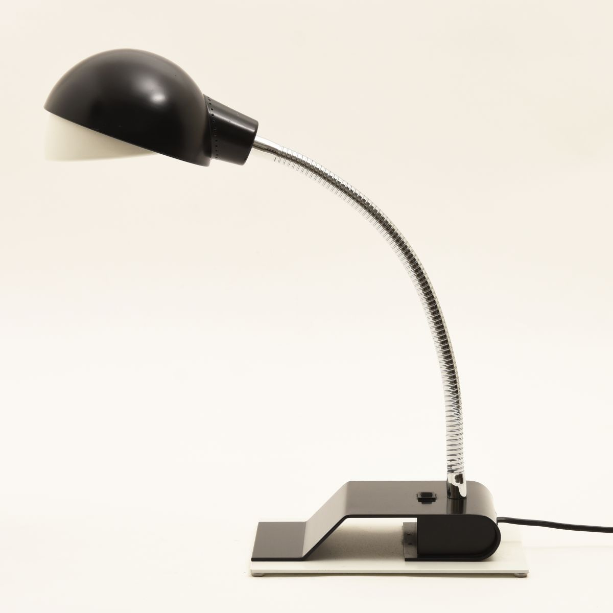 Aalto-Alvar-Artek_Table-Lamp