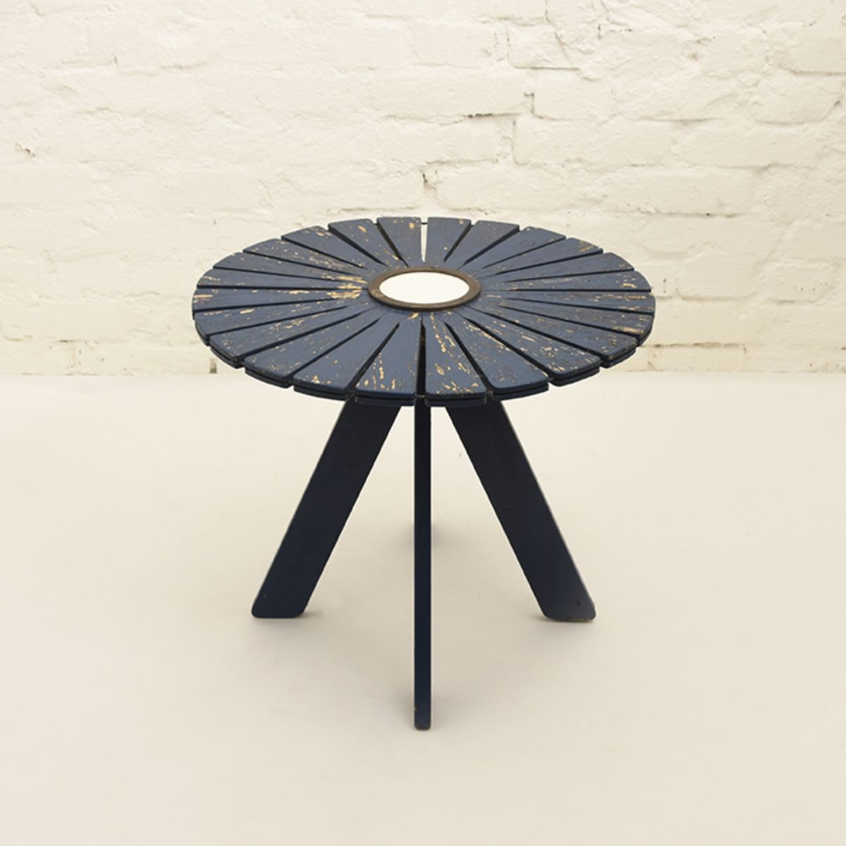 Aalto-Alvar-Sunflower-Garden-Table-blue