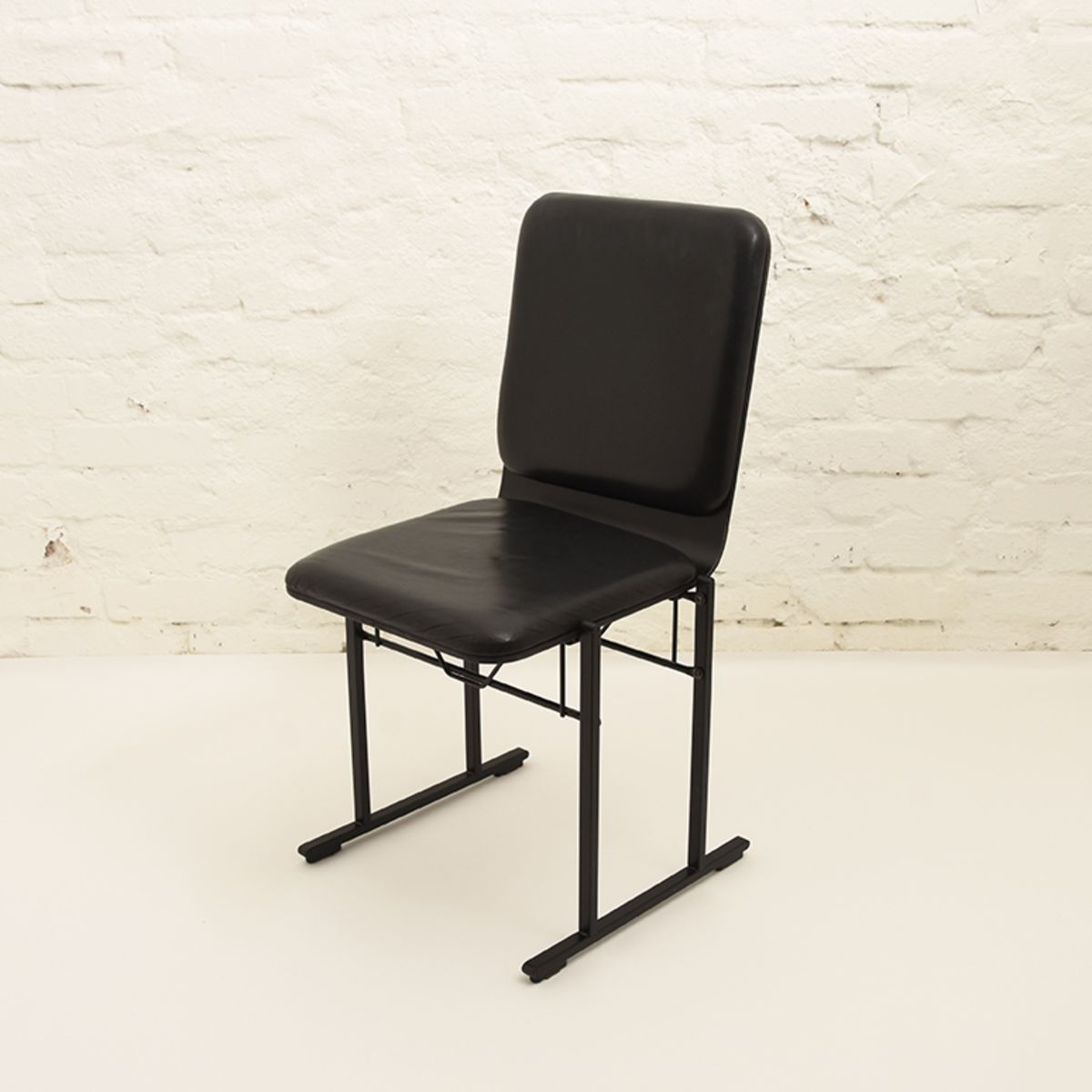 Kukkapuro-Yrjö-Side-Chair-500a-black