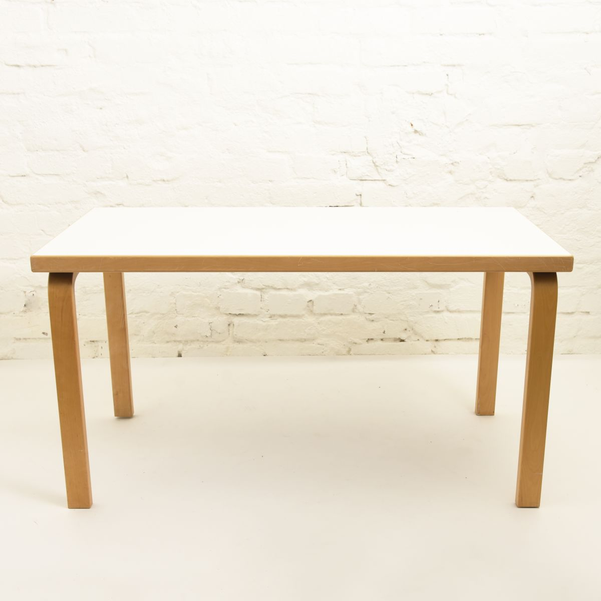 Aalto-Alvar-Table A80-white-h63