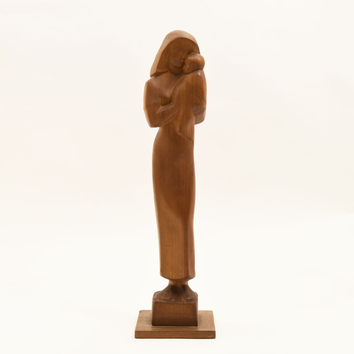 Wooden-Sculpture-Mother-and-Child