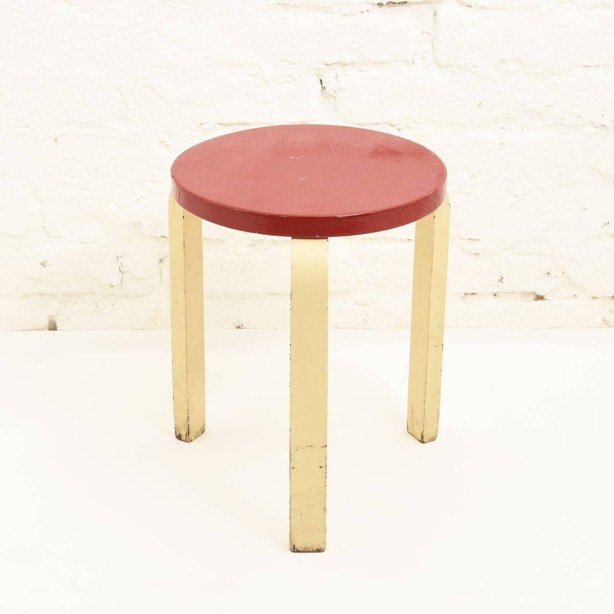 Aalto-Alvar-Stool60-Red-White
