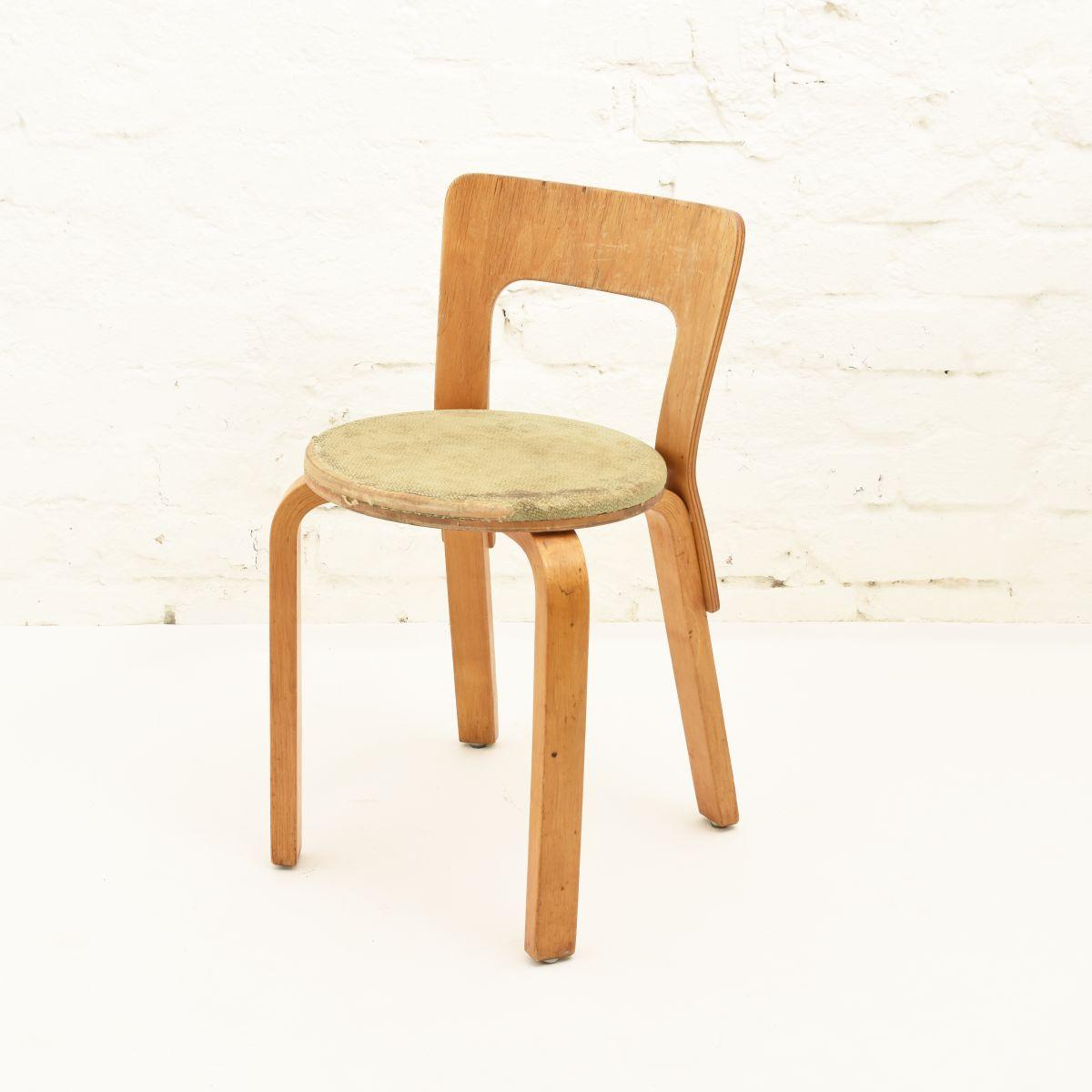 Aalto-Alvar-Chair65-Sandwich-Seat