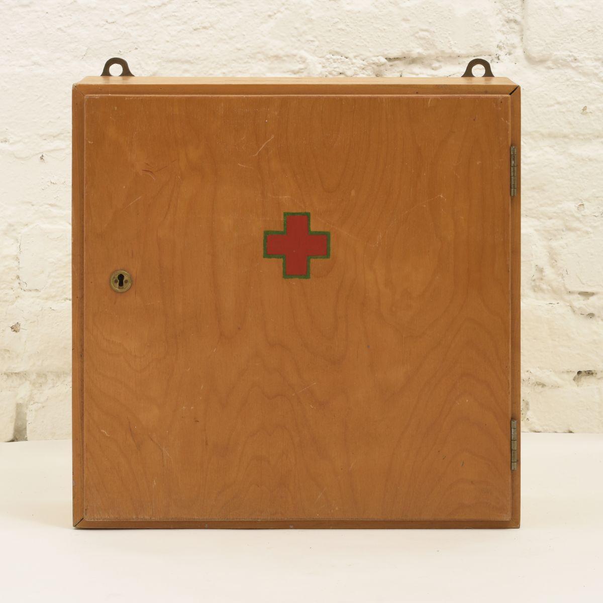 Artek-Medicine-Box
