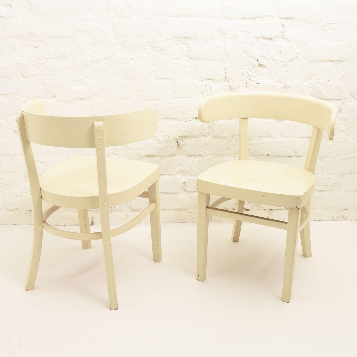 West-Werner-Hugging-Chair-White