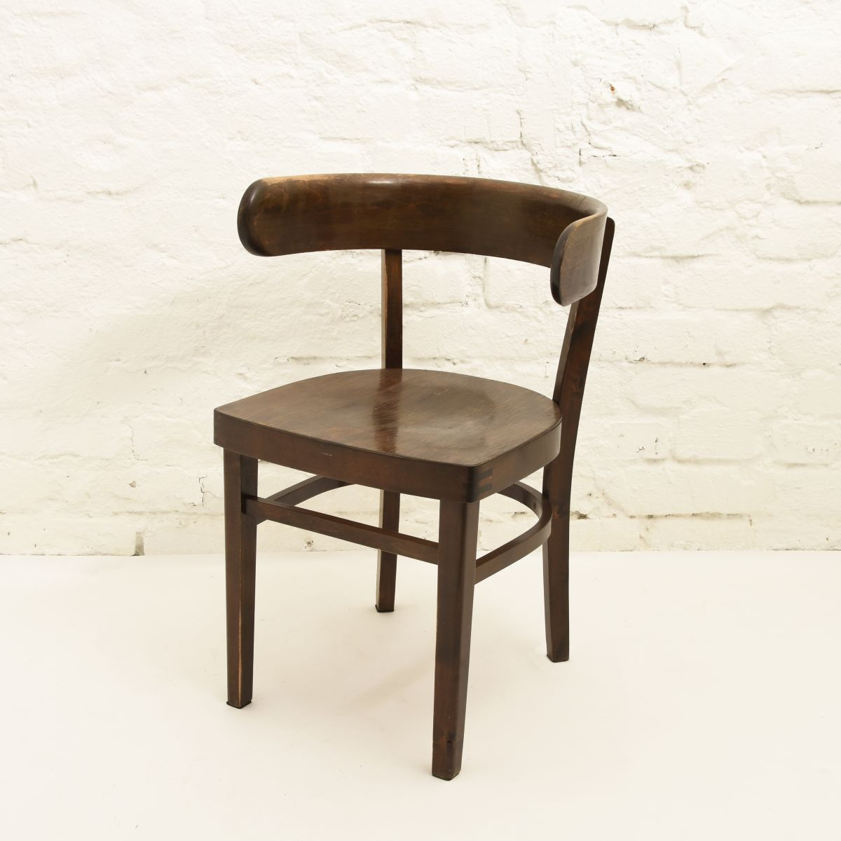 West-Werner-Hugging-Chair-Brown