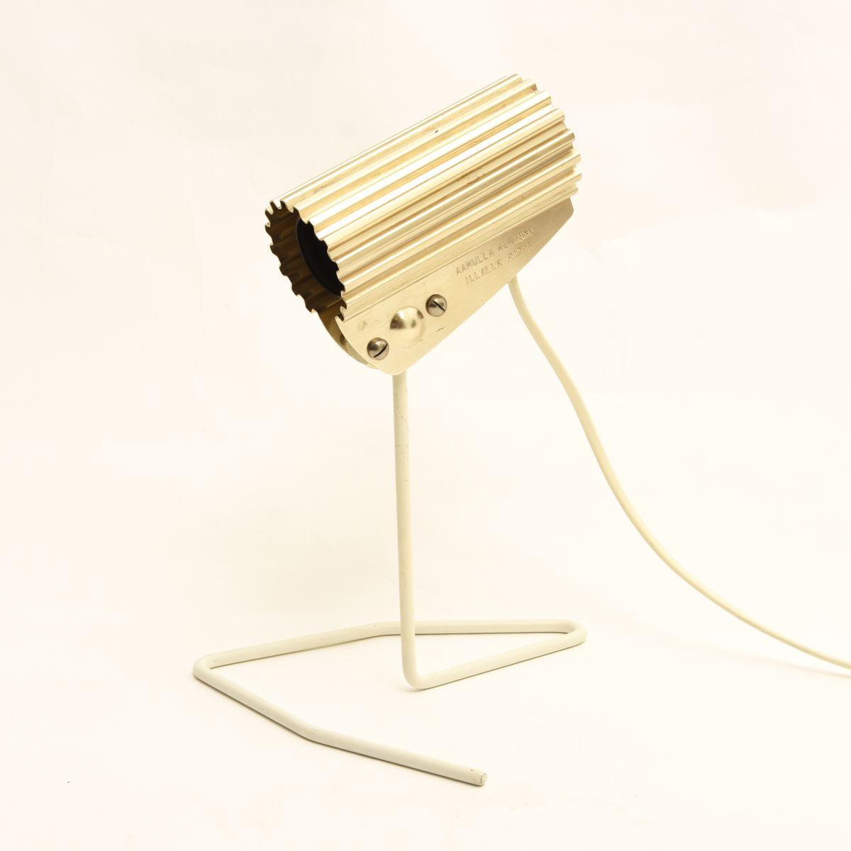 Nummi-Yki-Table-Lamp