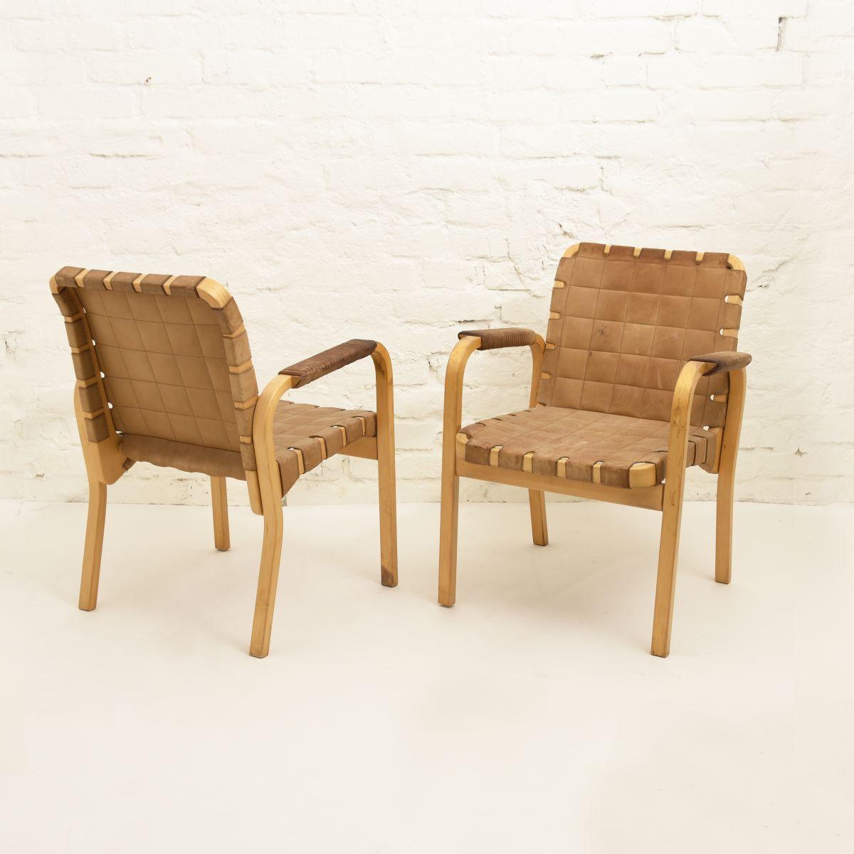 Aalto-Alvar-Chair-45-Cognac