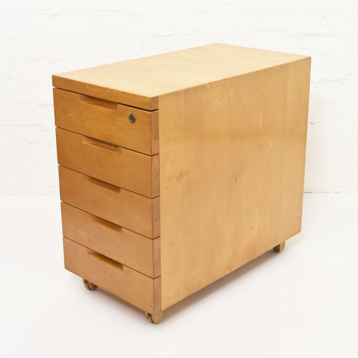 Aalto-Alvar-Wooden-Drawer-with-Lock