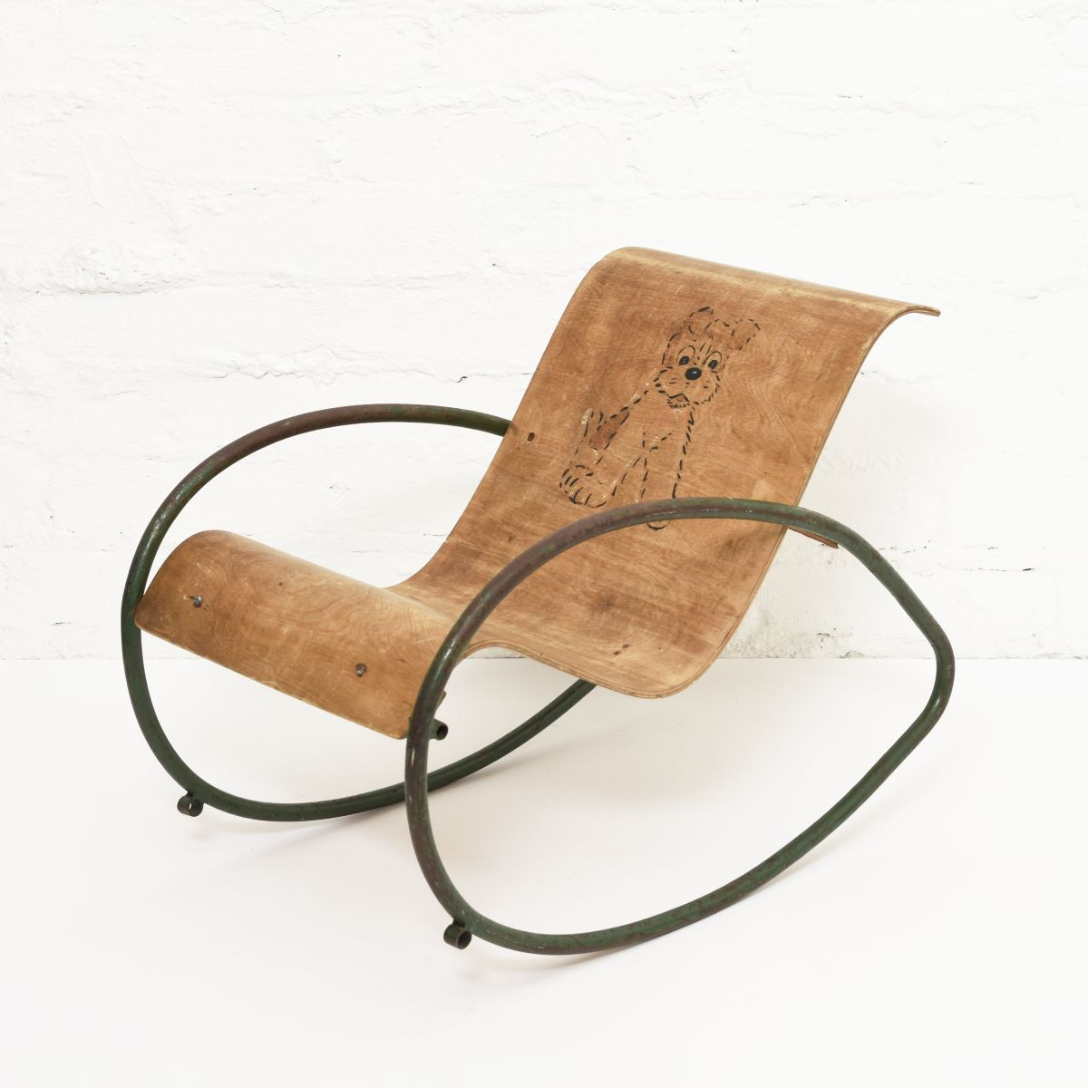 Anonymous-Kids-Rocking-Chair
