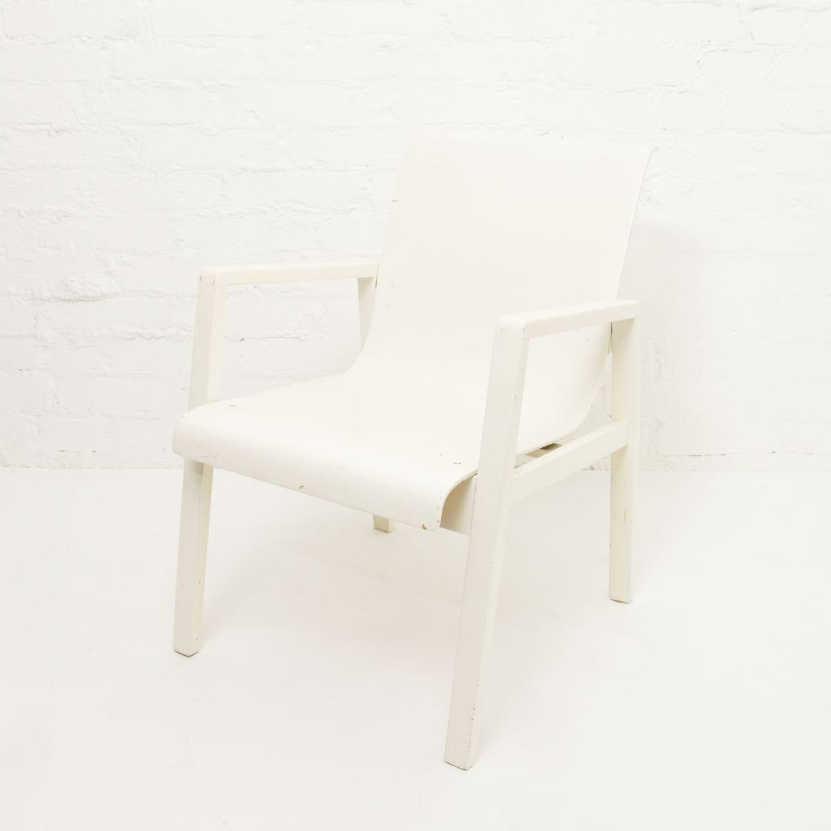 Aalto-Alvar-Hallway-Chair-White