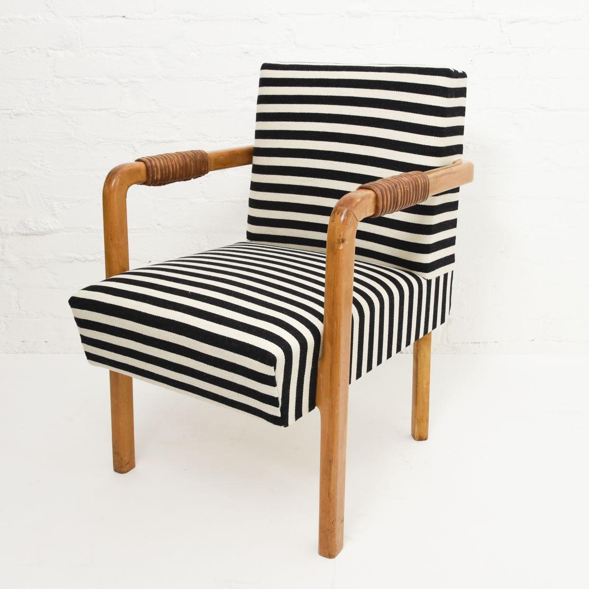 Aalto-Aino-Armchair-Leather-Armrest