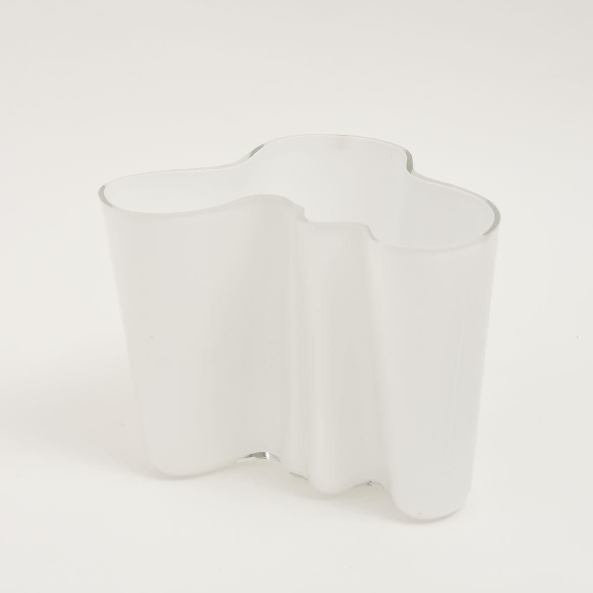Aalto-Alvar-Savoy-Vase-Clear-White-16cm