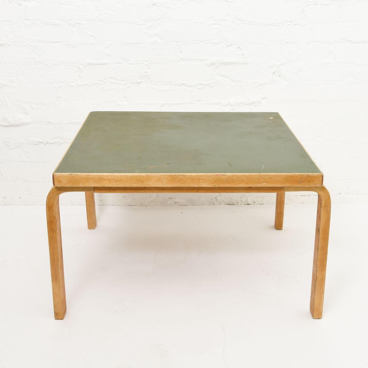 Aalto-Alvar-Coffee-Table-Green-Linoleum