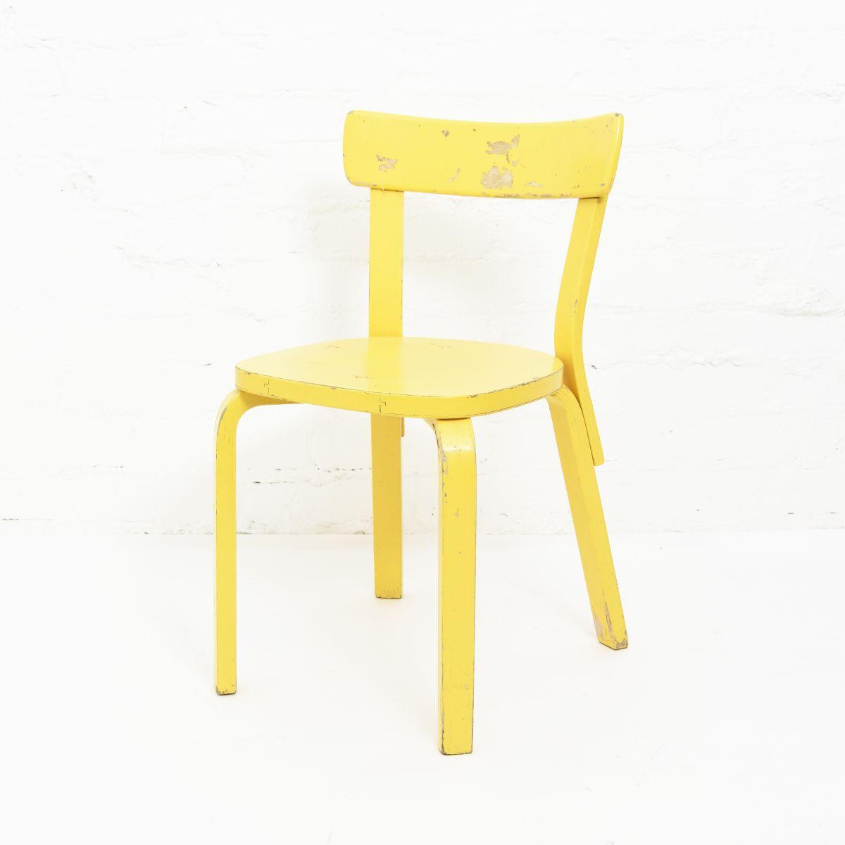 Aalto-Alvar-Chair-69-Painted-Yellow