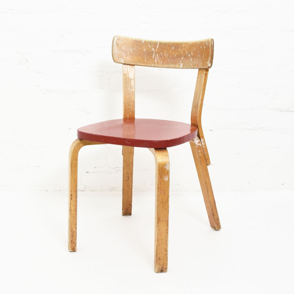 Aalto-Alvar-Chair-69-Painted-Red-Seat