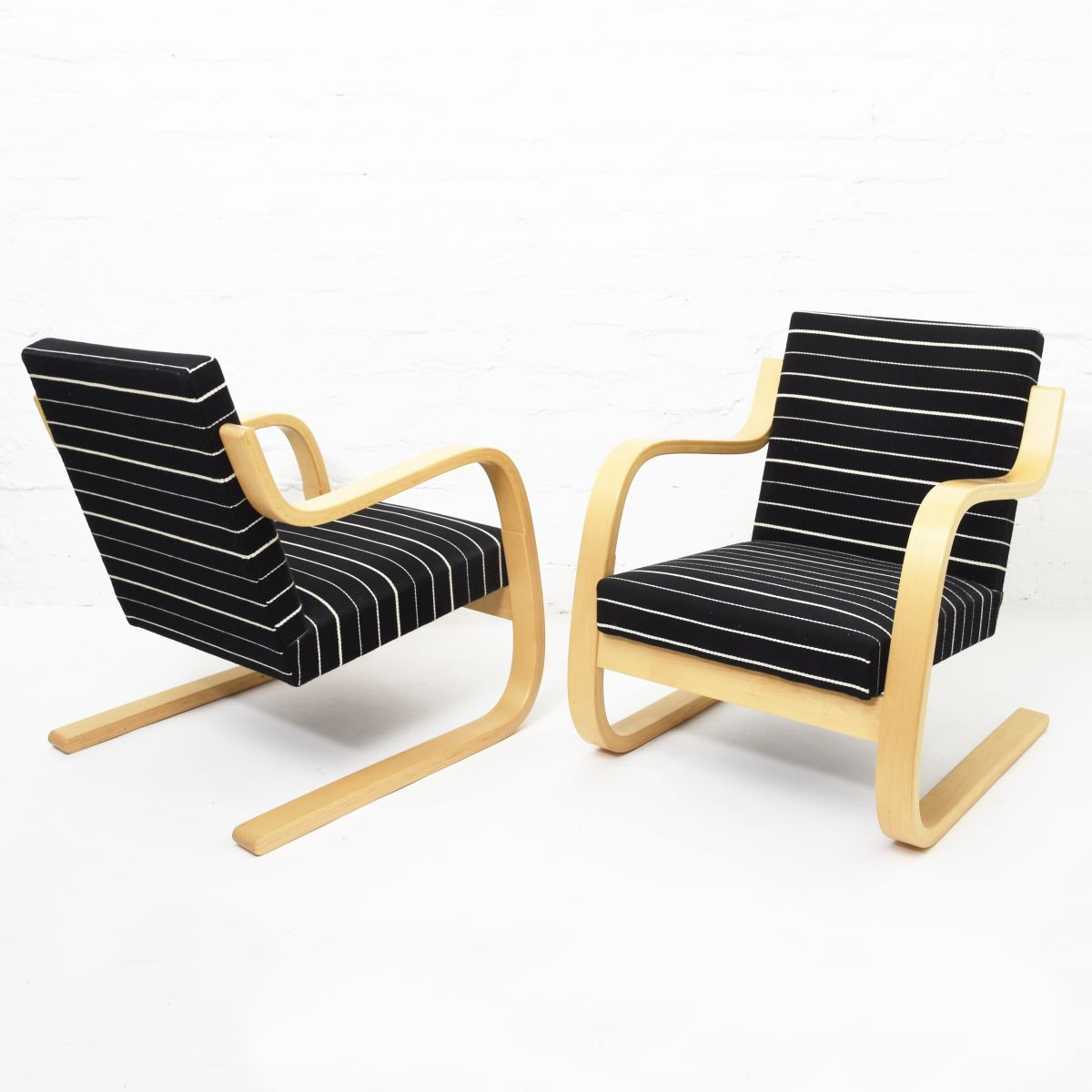 Aalto-Alvar-Armchair-42-Artek-Fabric